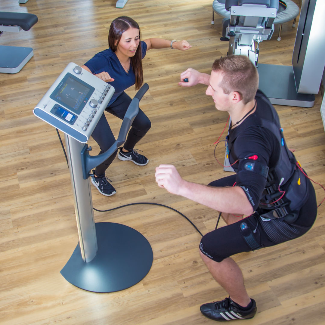EMS-Training Elektro-Muskel-Stimulationstraining | Gesundheitstraining - Physio-Zentrum Bogen